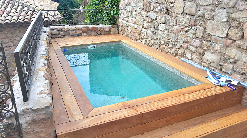 construction installation d 39 am nagement de mini piscine. Black Bedroom Furniture Sets. Home Design Ideas